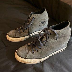 Converse gray hidden heel sneaker - sz 7